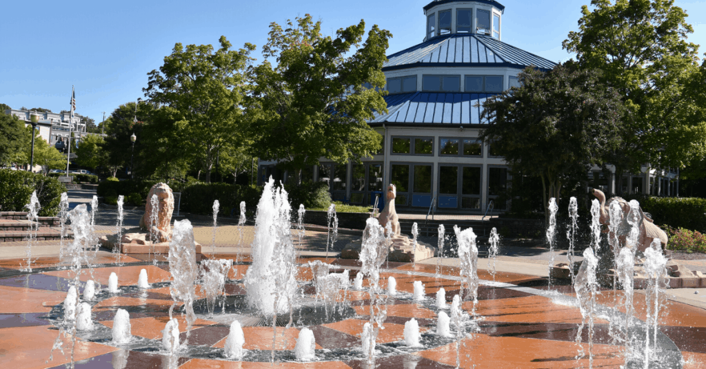 Splash Pad and Fountain in Coolidge Park Chattanooga