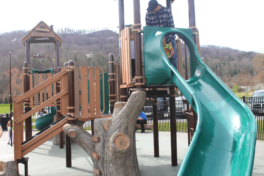 25 Free Things to Do in Pigeon Forge TN Wear Farm City Park