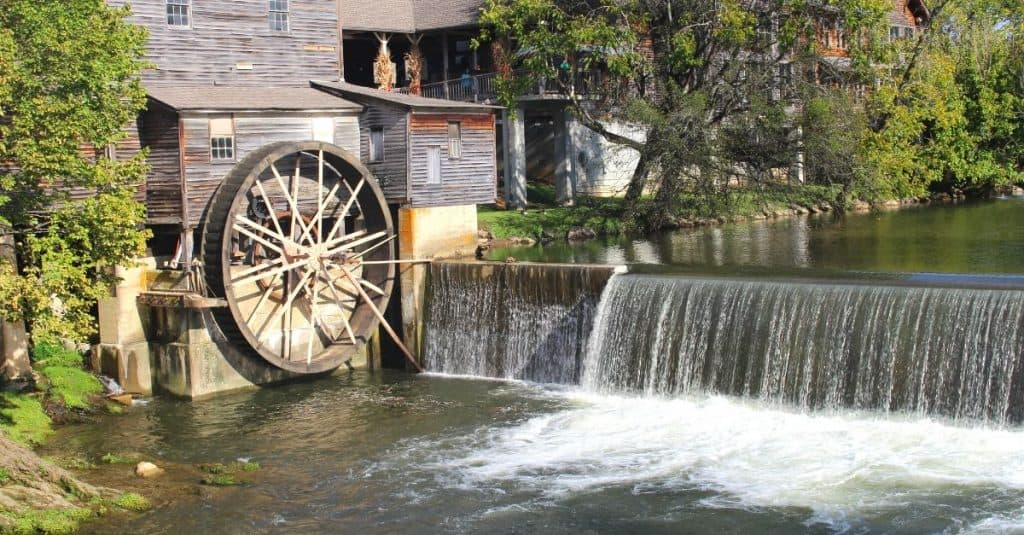 25 Free Things to Do in Pigeon Forge TN Old Mill