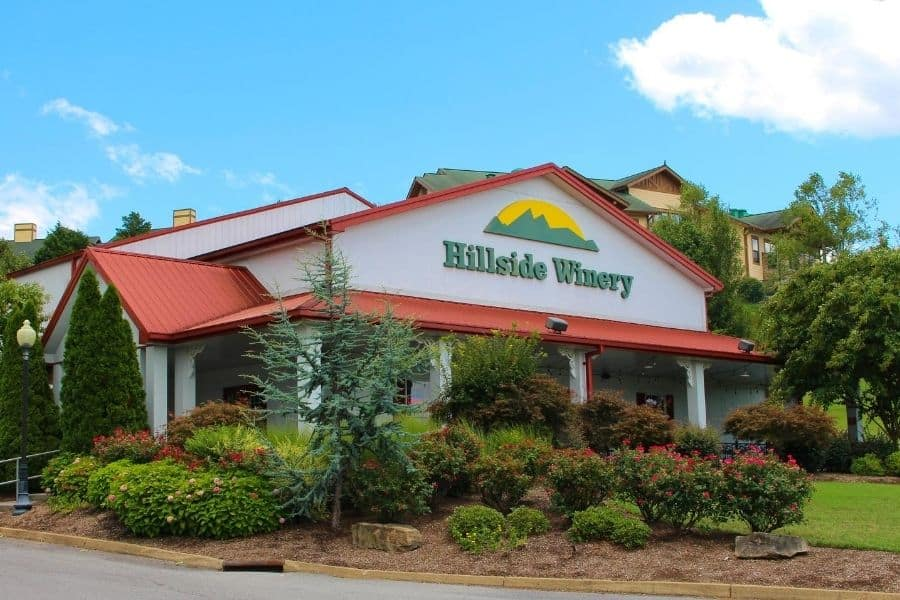 Free Tastings at Hillside Winery Sevierville TN