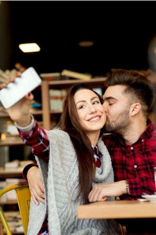 Date Ideas in Johnson City TN: couple taking selfie on date